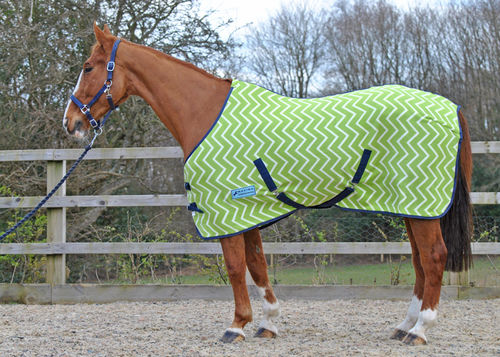 LIME GREEN ZIGZAG FLEECE RUG (STANDARD & SHETLAND SIZES)